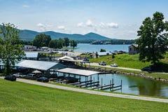 Marina de route express, Huddleston, la Virginie, Etats-Unis image stock