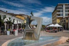 MARINA Di CECINA WŁOCHY, Maj, - 07, 2017: Largo Cairoli kwadrat i Fotografia Stock