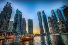 Marina Dubai på solnedgången Royaltyfri Bild