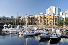 Marina, flats St Katharine Dock London, England Royalty Free Stock Photos