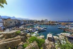 Marina, i att charma Kyrenia, nordliga Cypern Royaltyfri Bild