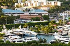 Marina i miasto St Thomas, USVI Fotografia Royalty Free
