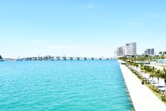 marina i mieszkania w?asno?ciowe, nowo?ytny budynek w Miami mie?cie Florida usa America fotografia royalty free