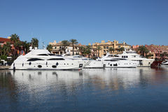 Marina i Sotogrande, Spanien Royaltyfria Bilder