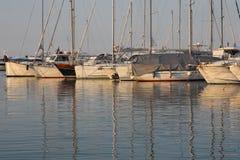 Marina le soir images libres de droits