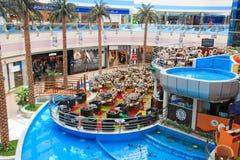 Marina Mall i Abu Dhabi, UAE Royaltyfri Foto