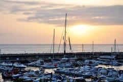Marina oceanem przy zmierzchem Zdjęcie Royalty Free