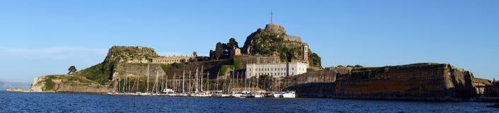 Marina och gammal fästning arkivfoto