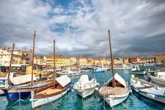 Marina och hamn av den Rovinj staden Istria Kroatien Royaltyfri Fotografi