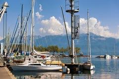 Marina och yachter på sjöGenève Lausanne Schweiz Royaltyfri Foto