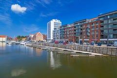 Marina på den Motlawa floden i gammal stad av Gdansk Arkivfoto