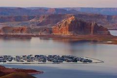 Marina på sjön Powell, nära sidan, Arizona Arkivbild