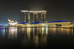 MARINA PODPALANI piaski, SINGAPUR LISTOPAD 05, 2015: Marina Podpalany waterf Zdjęcia Royalty Free