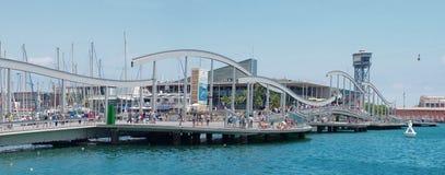 Marina Port Vell y la Rambla Del Mar en Barcelona Fotos de archivo