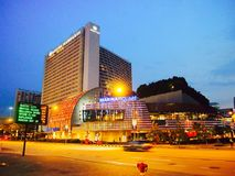 Marina Square nachts Lizenzfreie Stockbilder