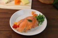 Marinade des saumons photographie stock