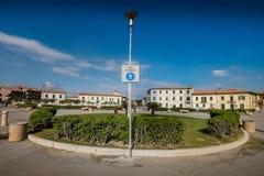 MARINADI PISA, ITALIEN - Avril 24, 2017: Balearic fyrkant, marina arkivfoton