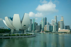 MARINAFJÄRD, SINGAPORE - mars, 14 2015: Otta av Merlion Royaltyfria Foton