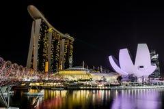 Marinafjärd Singapore på natten Arkivfoto