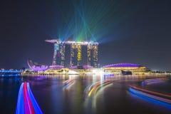 MARINAFJÄRDSANDER, SINGAPORE OKTOBER 12, 2015: sh härlig laser Arkivbild
