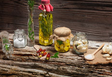 Marinate garlic. With spices and herbs Royalty Free Stock Photos