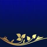 Marinblå bakgrund dekorerade den guld- blom- gränsen Arkivfoto