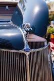 Marinblåa Ford Roadster 1936 Royaltyfria Foton