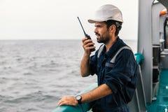 Marine Deck Officer of eerste stuurman op dek van schip of schip royalty-vrije stock afbeelding