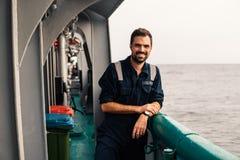 Marine Deck Officer of eerste stuurman op dek van schip of schip royalty-vrije stock afbeeldingen
