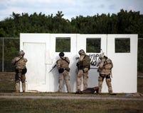 Marine DICHTUNG - Angriffs-Demo am UDT-SEAL Museum Lizenzfreies Stockbild