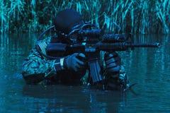 Marine DICHTUNGS-Froschmann stockfotos