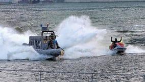 Marine, die Banditen während NDP 2009 jagt Stockbild