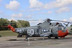 Marine-Hubschrauber auf Museumsanzeige Stockbilder