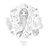 Marine Illustrations Set Liten gullig tecknad filmsjöjungfru, rolig fisk, sjöstjärna, flaska med en anmärkning, alger, olika skal Royaltyfria Foton