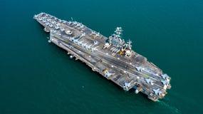 Marine Kernvliegdekschip, Militaire van de de drager volledige lading van het marineschip de vechters straalvliegtuigen, Satellie royalty-vrije stock foto