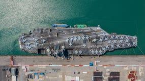 Marine Kernvliegdekschip, Militaire van de de drager volledige lading van het marineschip de vechters straalvliegtuigen, Satellie stock foto's