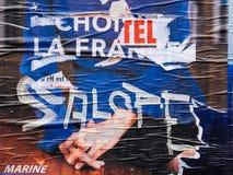 Marine Le Pen destruiu o cartaz que vota em segundo em volta do presi de França Fotografia de Stock