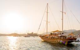 Marine met luxejachten en zeiljachten in Bodrum royalty-vrije stock afbeeldingen