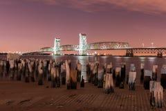 Marine Parkway-Gil Hodges Memorial Bridge på natten Arkivfoton