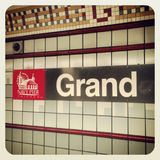 Marine Pier Chicago et signe grand de station Photographie stock