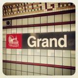 Marine Pier Chicago und großartiges Stationszeichen Stockfotografie