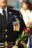 Marine, Soilder die in volledige kleding met medailles wordt verfraaid Royalty-vrije Stock Foto's