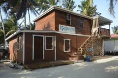 Marine Station på tobak Caye i Belize arkivfoton