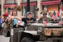 Marine Veterans Participating van Vierde van Juli-Parade royalty-vrije stock foto