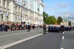 Marineros jovenes el 1 de septiembre en St Petersburg Imagen de archivo libre de regalías