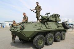 Marines des USA sur le véhicule de reconnaissance blindé léger LAV-25 image libre de droits