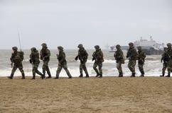 Marinesoldaten auf dem Strand Stockbild