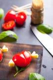 Marinierte Leiste mit dem Tomatenherzen geformt Lizenzfreies Stockfoto