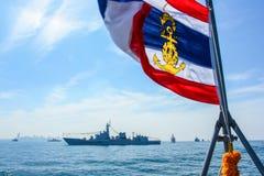 Marinkrigsskeppspring på havet i internationell hastig granskningdrillborr Arkivbild