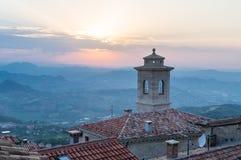 marino san Взгляд от горы Titano на районе Стоковые Фото